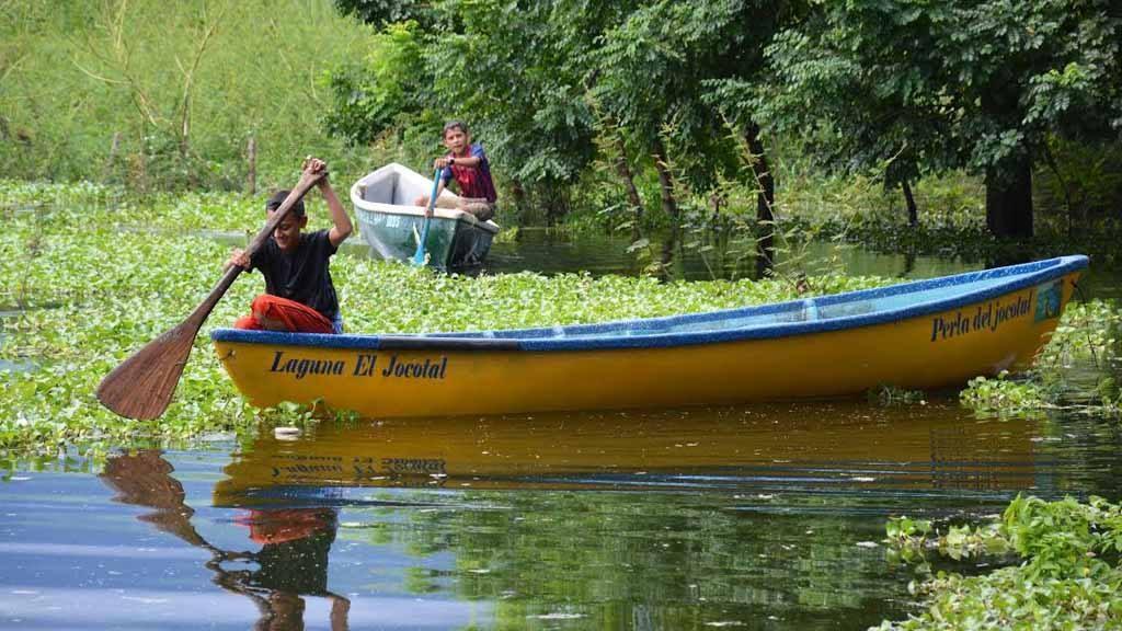 San Miguel, además de playa, posee la laguna El Jocotal como destino de turismo. Una zona protegida y de importancia mundial por su ecosistema y por ser sitio de descanso para aves migratorias.