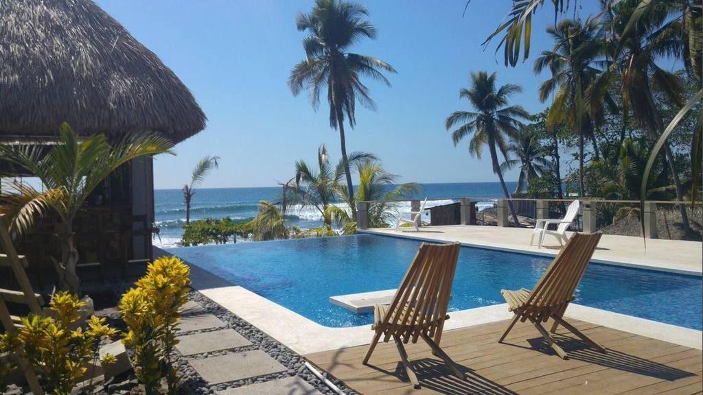 Estos son los hoteles construidos en la playa el zonte for Hoteles para familias en la playa
