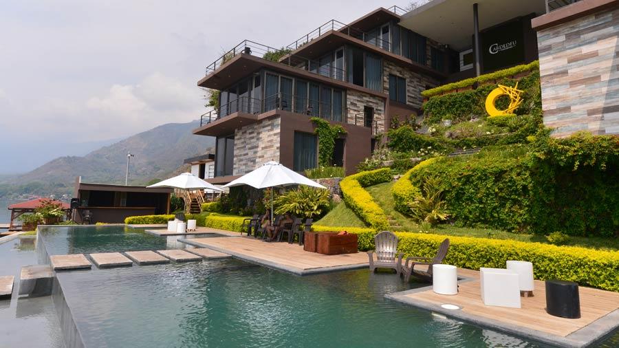 Cardedeu, el lugar ideal para disfrutar en Coatepeque | elsalvador ... - El Diario de Hoy