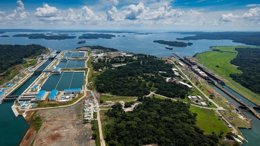 El Canal ampliado de Panamá cumple un año con expectativas ...