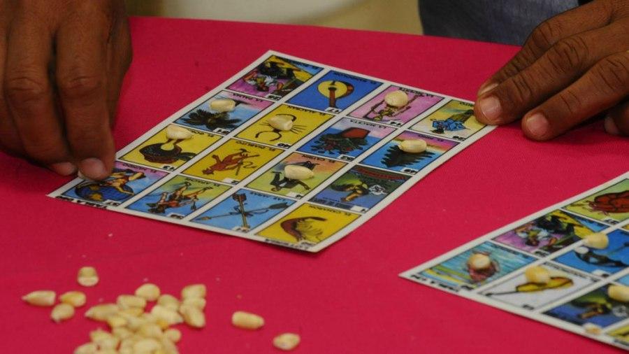 guatemalteco en ee uu  reinventa la loter u00eda de cart u00f3n con