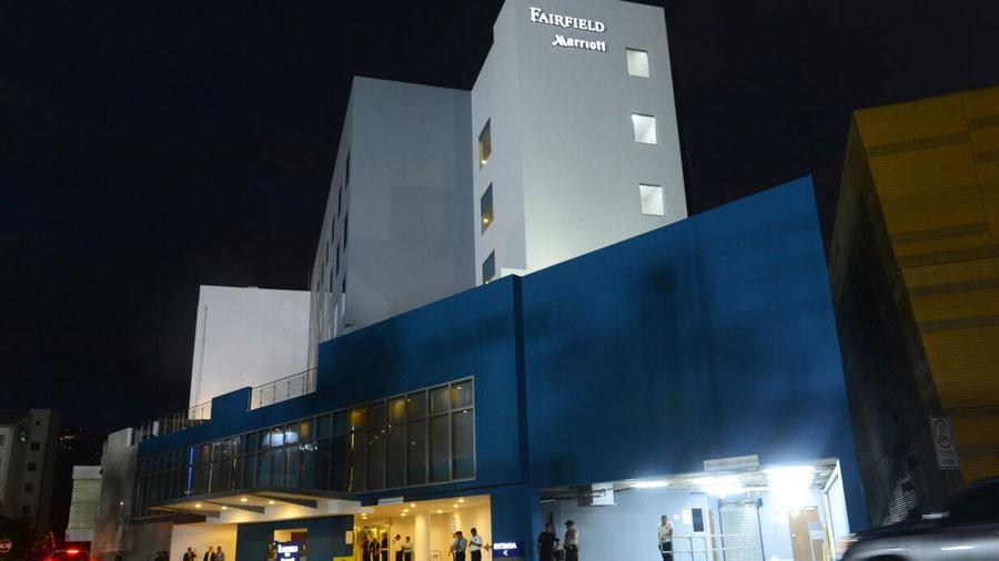 Inaugurado el hotel fairfield by marriott en la gran v a for Gran via el salvador
