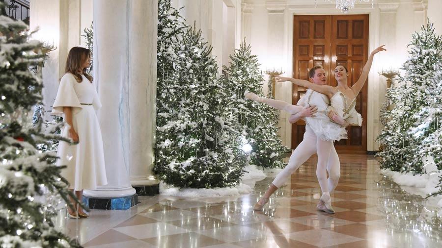 La elegante y bella decoraci n navide a de melania trump for Decoracion navidena elegante