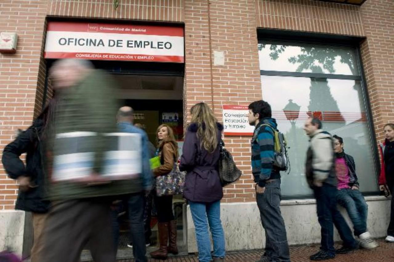 Los datos oficiales muestran que en diciembre se redujo la cantidad de desempleados en España. edh /Archivo