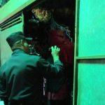 La Policía procesó la escena en busca de pistas que llevaran a identificar a los sujetos responsables del hecho.