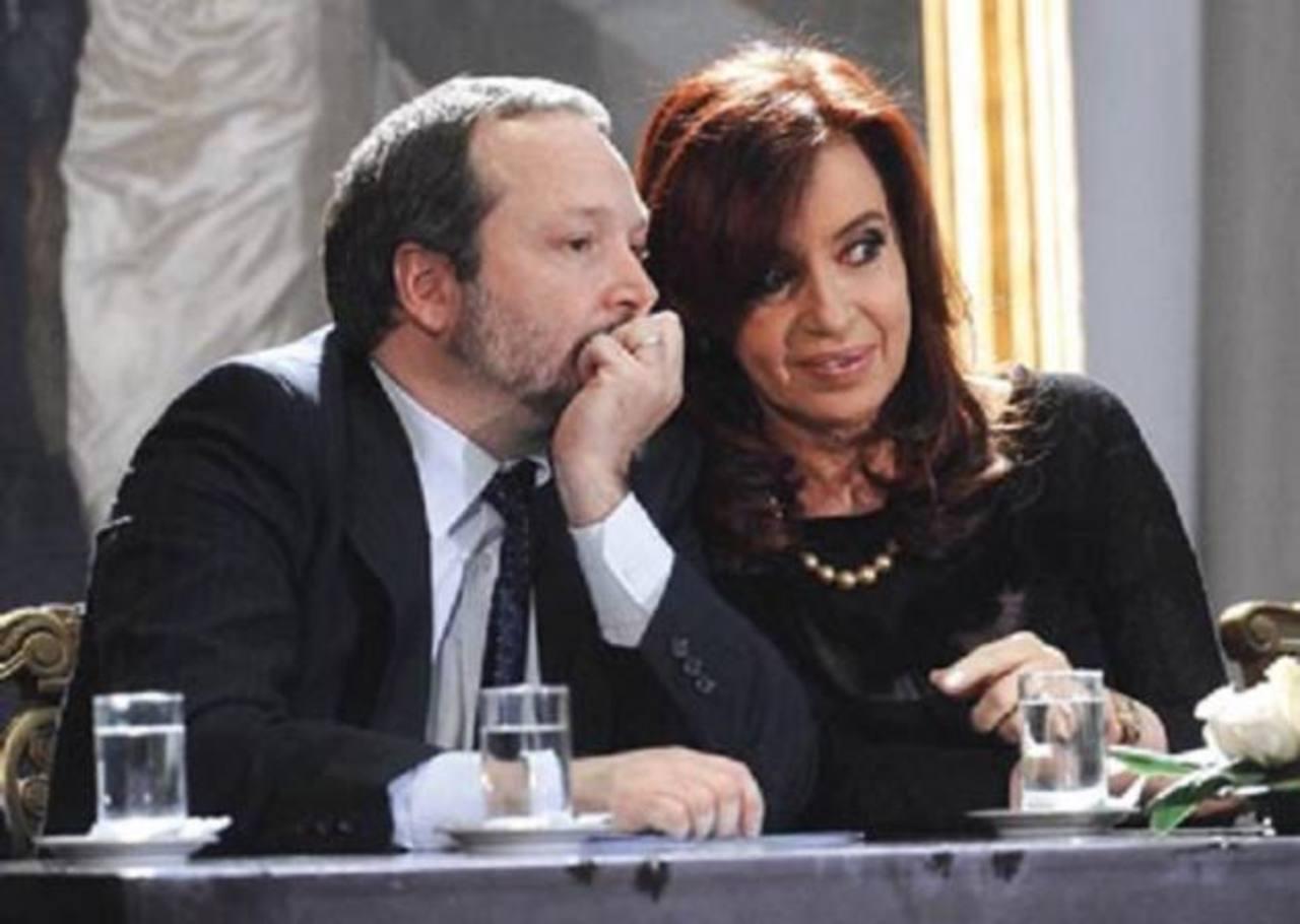 La presidenta Cristina Fernández y el jefe de Autoridad Federal de Servicios de Comunicación Audiovisual, Martín Sabbatella.