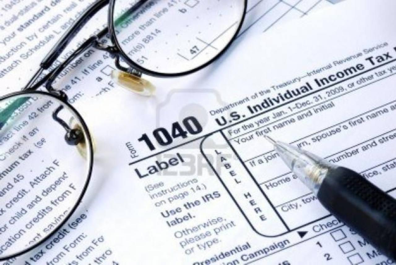 Los estadounidenses que ganen más de 450,000 al año deberán pagar más impuestos, según el acuerdo. Foto EDH / Tras el acuerdo, el presidente Barack Obama retornó a Hawái para seguir con sus vacaciones de fin de año, que había suspendido por la crisis