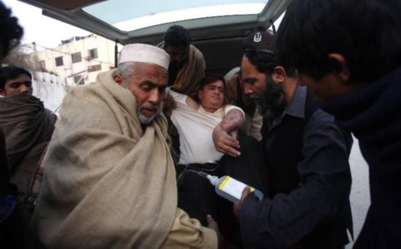 Hombres armados matan a cinco maestras en Pakistán