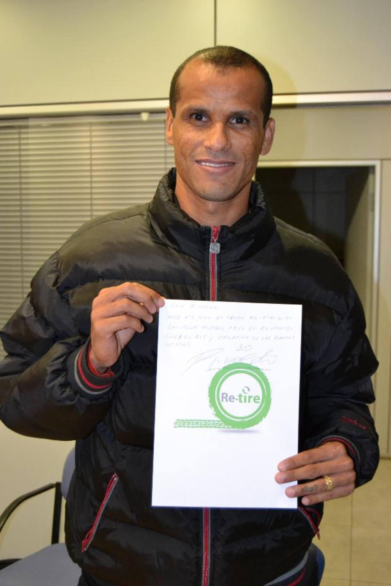 El exfutbolista Rivaldo mostró su apoyo a esta campaña.