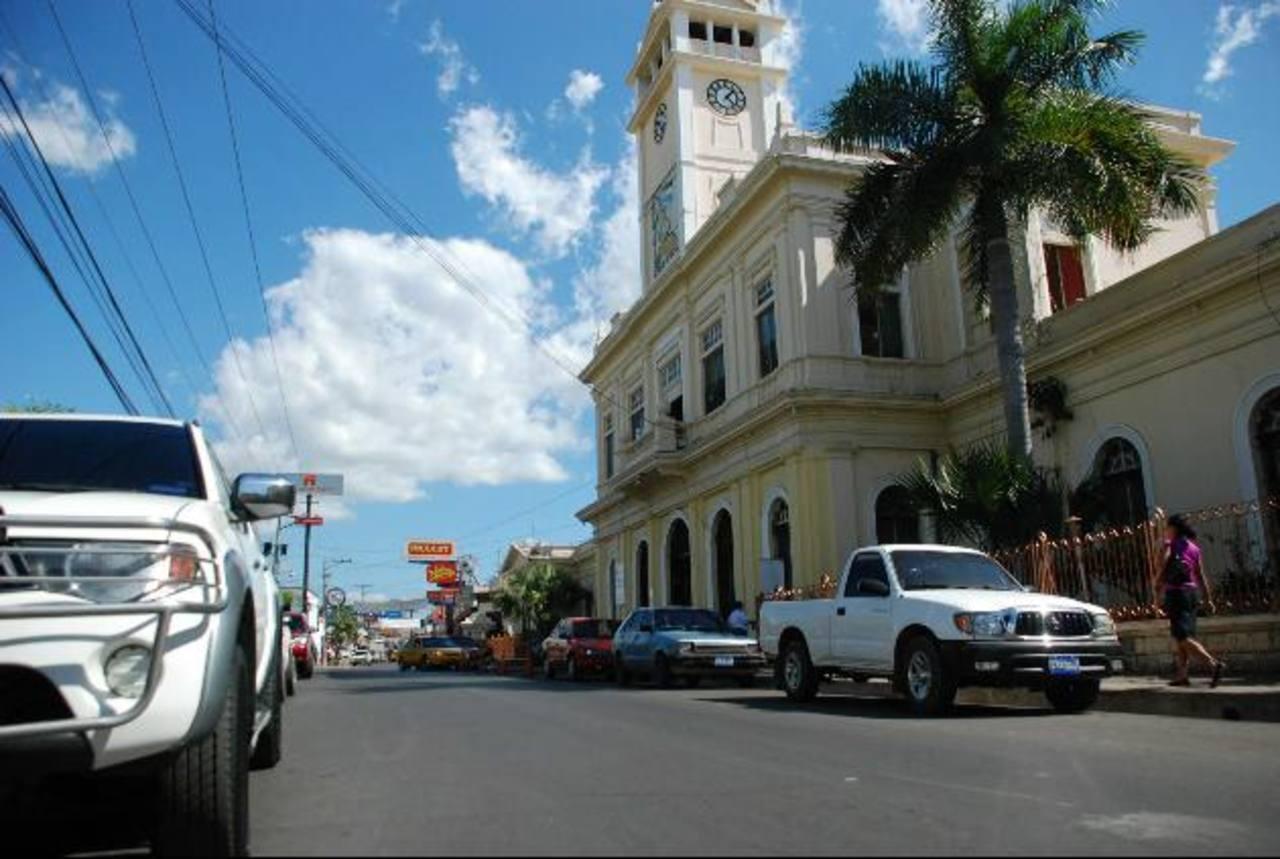 Ejes preferenciales en Usulután serían eliminados según propuesta de ordenamiento que la comuna presentará al VMT. Foto edh / Lucinda quintanilla