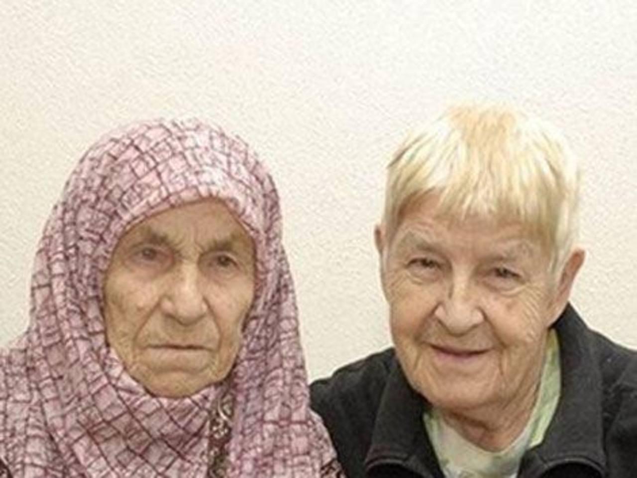 Se reúnen dos hermanas separadas hace 72 años