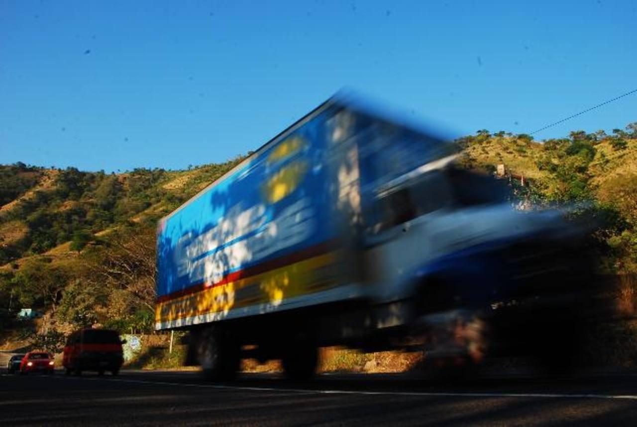 El 9 de diciembre robaron un furgón en zona limítrofe San Miguel-Usulután. PNC se enteró hasta que liberaron a empleados en Apopa. Foto EDH / francisco torres
