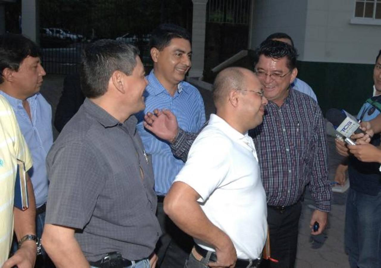Buseros afirman que Goes subirá monto del subsidio