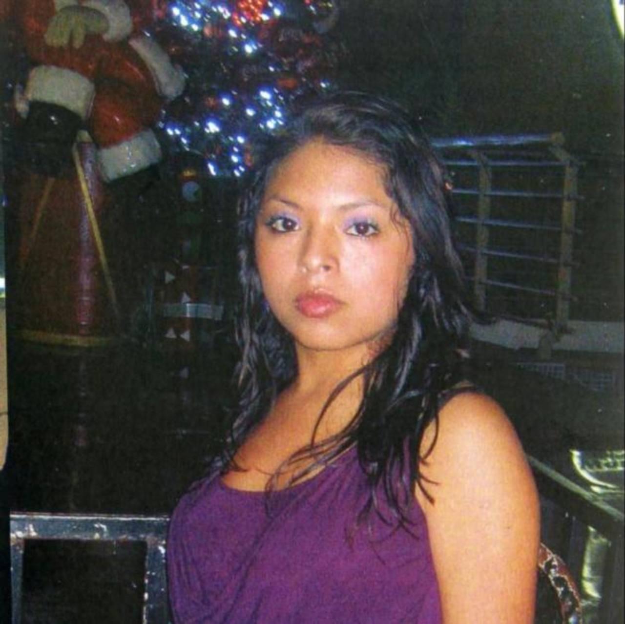 Jovencita de 16 años desaparece en centro de San Salvador