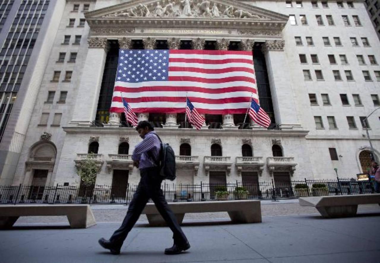 El impuesto a los que ganan más podría afectar la economía, dicen analistas. foto edh / archivo