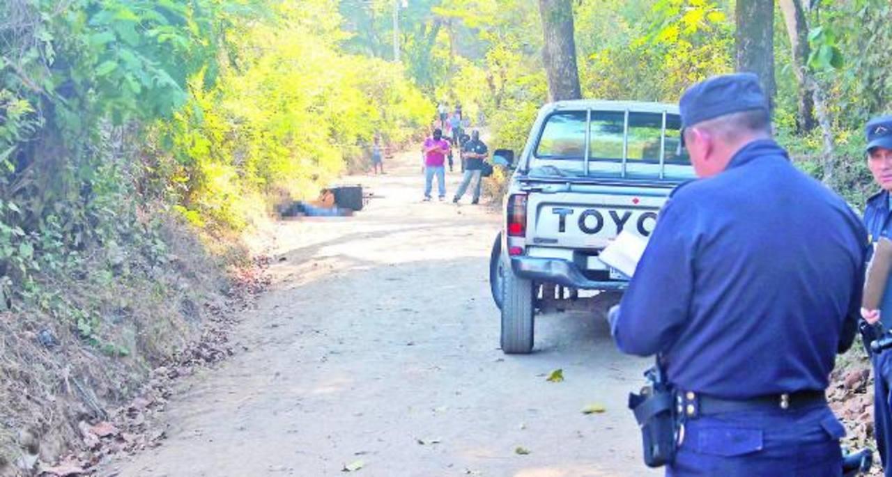 Al menos siete homicidios se registraron ayer en diferentes puntos, la mayoría vinculados a maras. Foto EDH / Roberto Zambrano