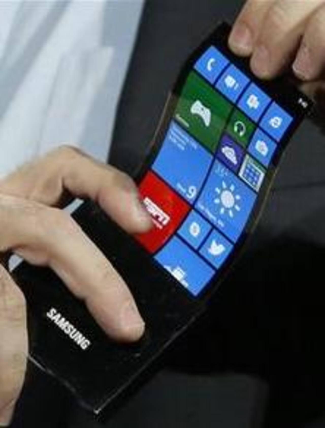 Samsung muestra pantalla flexible de celular | elsalvador.com