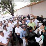 El gobierno hondureño tuvo que pedir un préstamo de $200 millones al Banco Central en diciembre para honrar los pagos de los funcionarios. Agencias