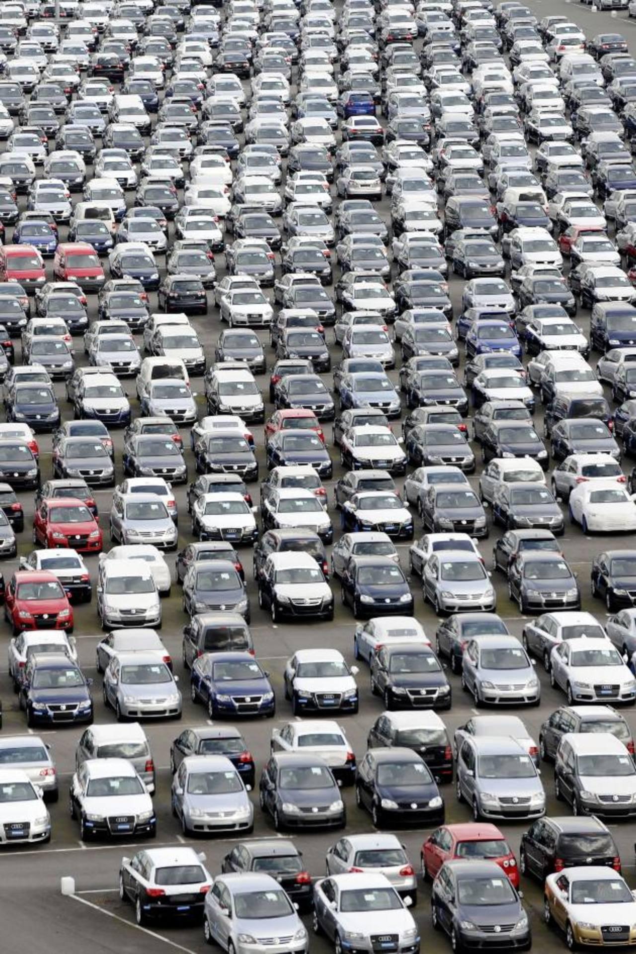 La venta de autos podría ser lenta este año en Alemania, que tenderá a la recesión. Foto edh