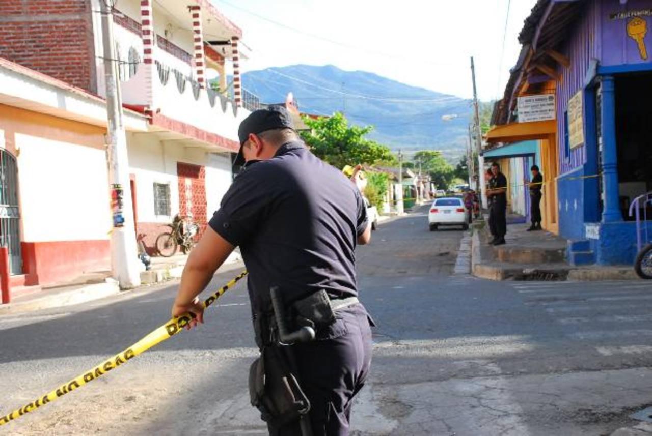 Inmar Antonio Euceda Fuentes fue asesinado ayer en La Unión. Foto EDH / Insy Mendoza.