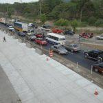 El tráfico vehicular persiste a diario en la carretera Panamericana. foto edh / miguel villalta
