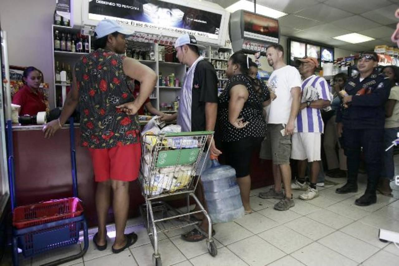 Una modificación a la ley tributaria de Nicaragua, que entró en vigencia el 1 de enero, exoneraba del pago del IVA a ciertos productos y ponía en desventaja los de la región. foto edh /archivo