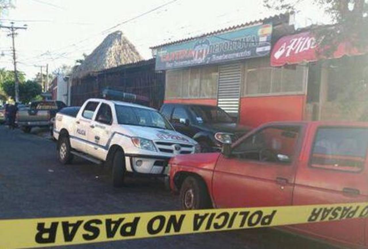 Los detenidos en el establecimiento fueron denunciados mediante una llamada a las autoridades. FOTO EDH /ARCHIVO