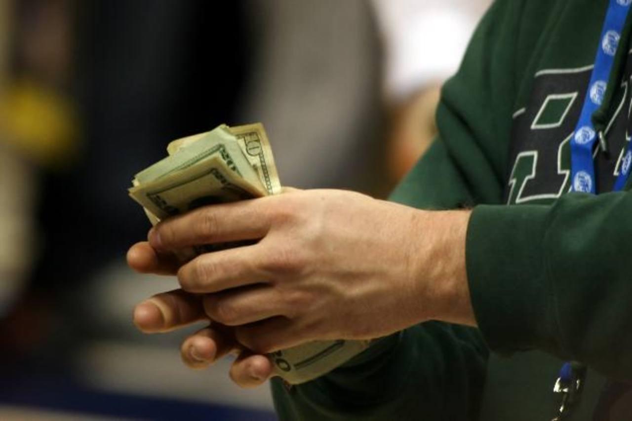 Más de $3 mil millones entraron a El Salvador en 2012