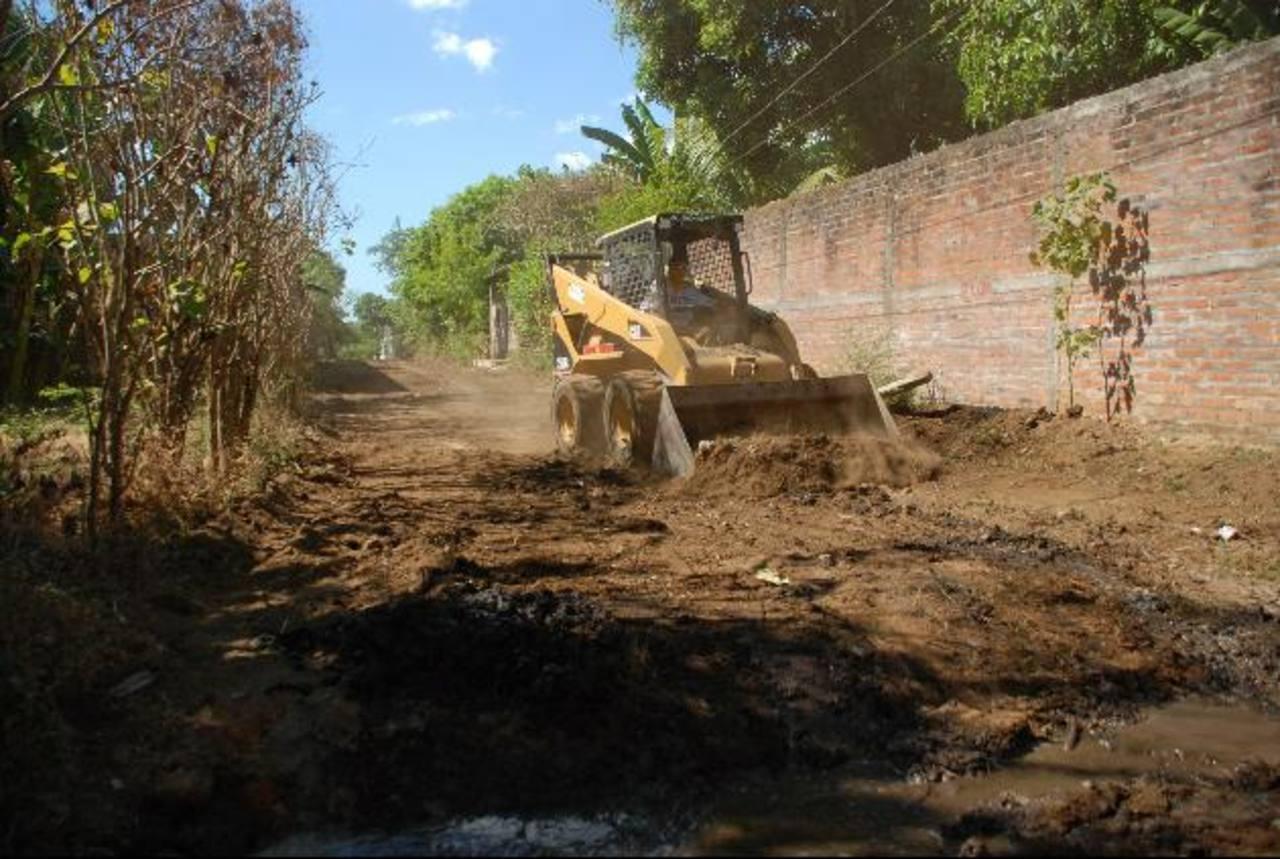 Este es parte del trabajo desarrollado por la empresa constructora en la calle del barrio El Molino. foto edh / lucinda quintanilla