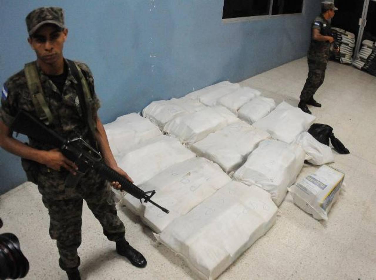Confiscaron 350 kilogramos de cocaína en las costas del norte del país. foto edh / Ap