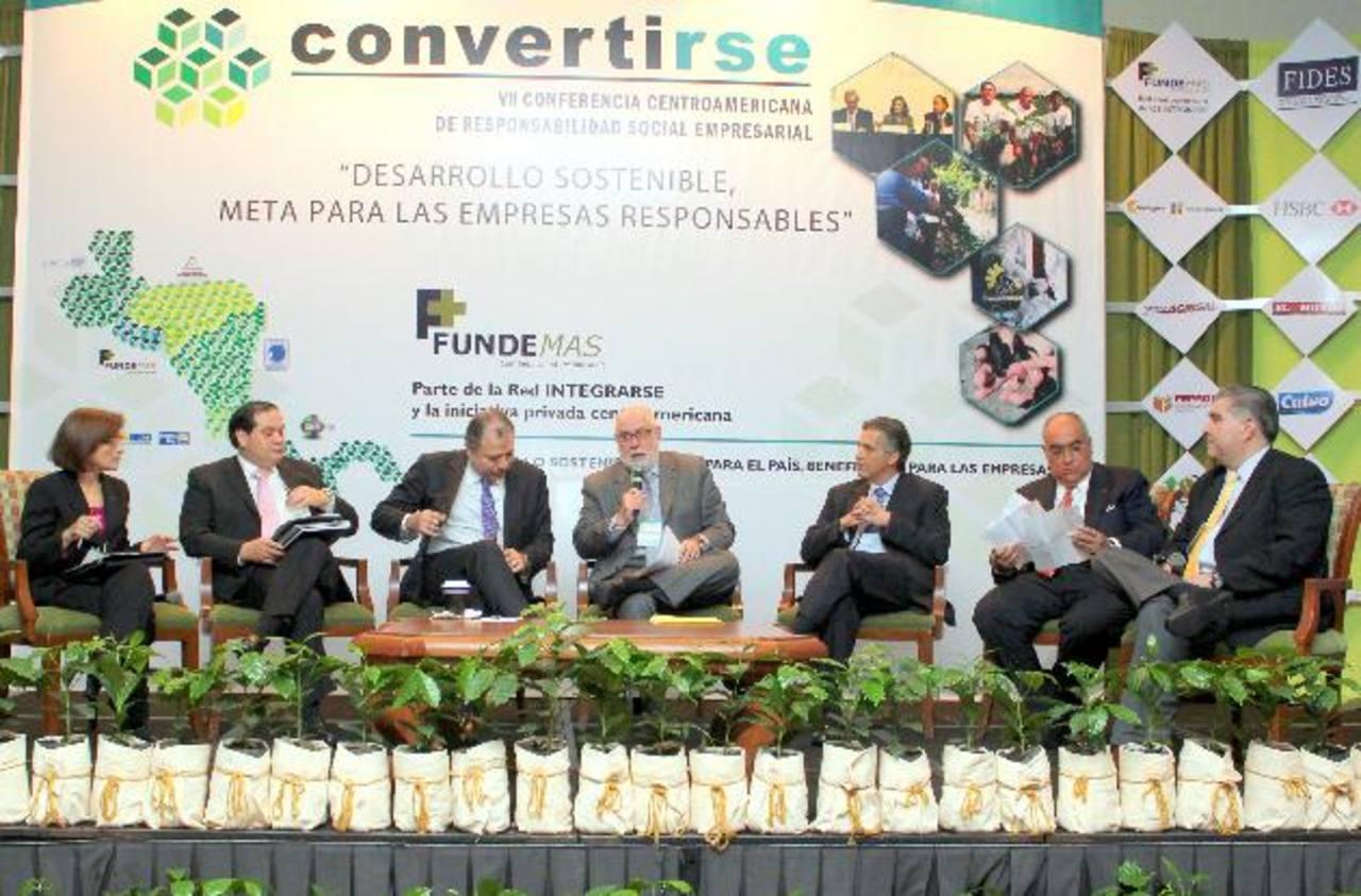 """Presidentes de la red Integrarse, durante la última conferencia regional """"Convertirse"""", realizada en 2012 en El Salvador. fotos edh /cortesíaLa municipalidad busca tener los datos al día."""