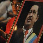 Seguidores del presidente Hugo Chávez, ante la Asamblea Nacional.