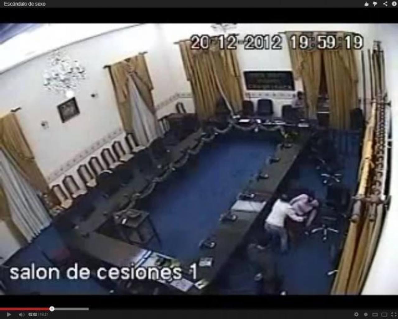 Opositores enviaron el video a varias televisoras cuando la asamblea reinició las sesiones tras las fiestas de fin de año.