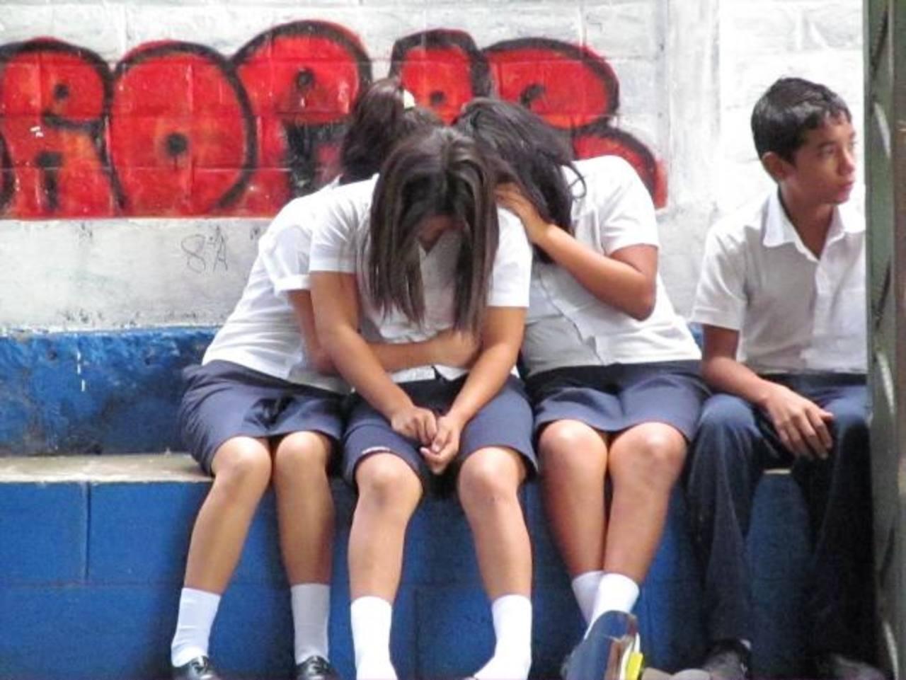 Según la Fiscalía, a Alisson Renderos la entregaron a pandilleros dos jóvenes que estudiaban en la misma escuela donde la atleta de lucha olímpica cursaba 9o. grado. foto edh