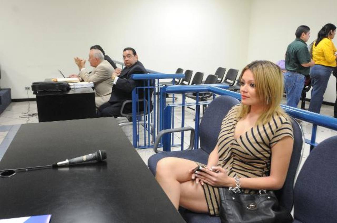 La exesposa de Rodrigo Samayoa admitió que su caso se ha politizado pero dijo que hay pruebas de que el diputado la agredió y amenazó. Foto EDH / Lissette Lemus