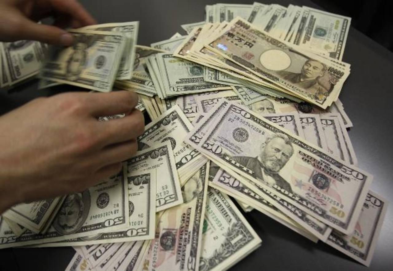 Se prevé que este año, las emisiones de deuda en la Bolsa se eleven. Foto EDH / archivo