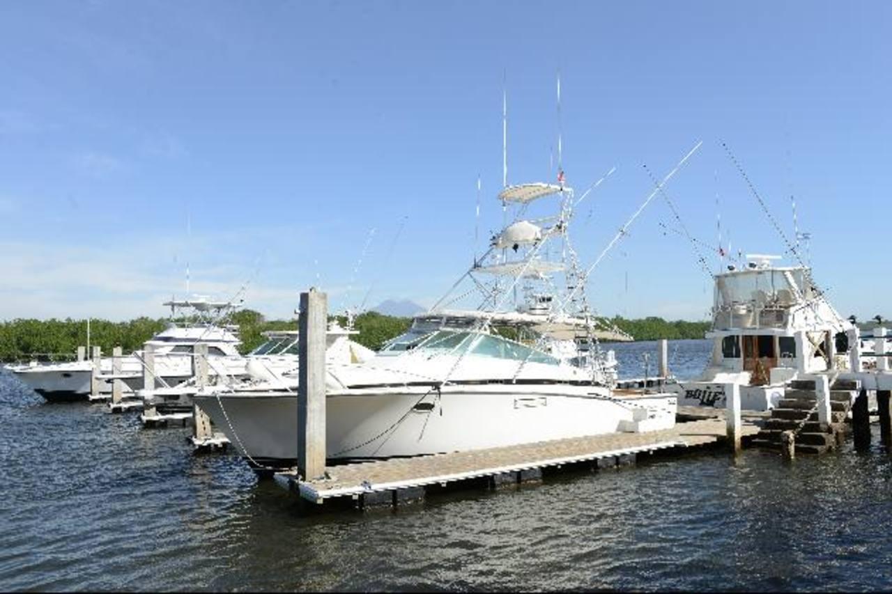 Cada embarcación genera $3,000 en divisas para la municipalidad. foto eDH/ césar avilés