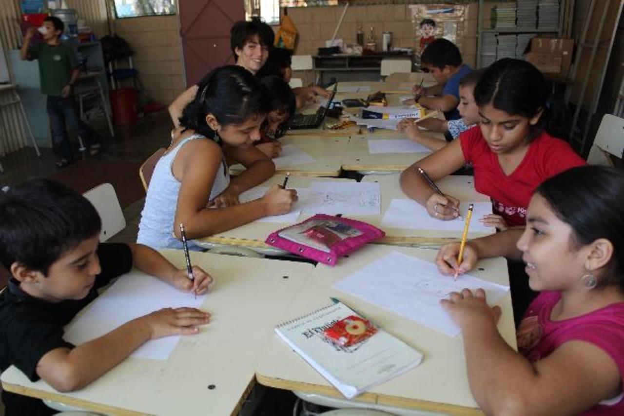 El arte como motor de desarrollo personal y como estímulo para la cultura de paz, es el objetivo del proyecto. foto EDH