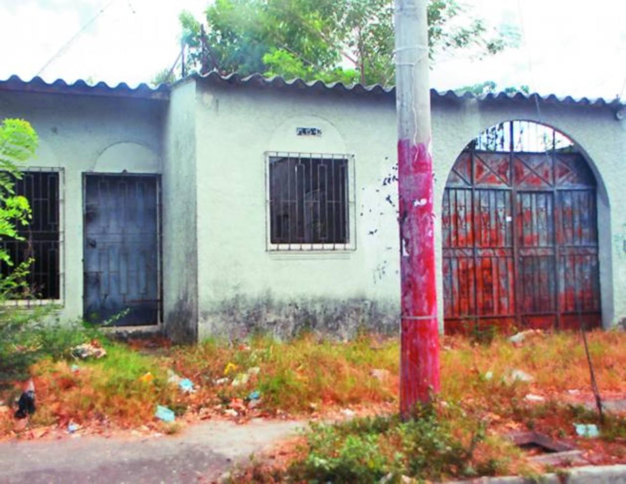 Las viviendas están situadas en la parte baja de la colonia Jardines del Río en San Miguel. Foto EDH /francisco torres