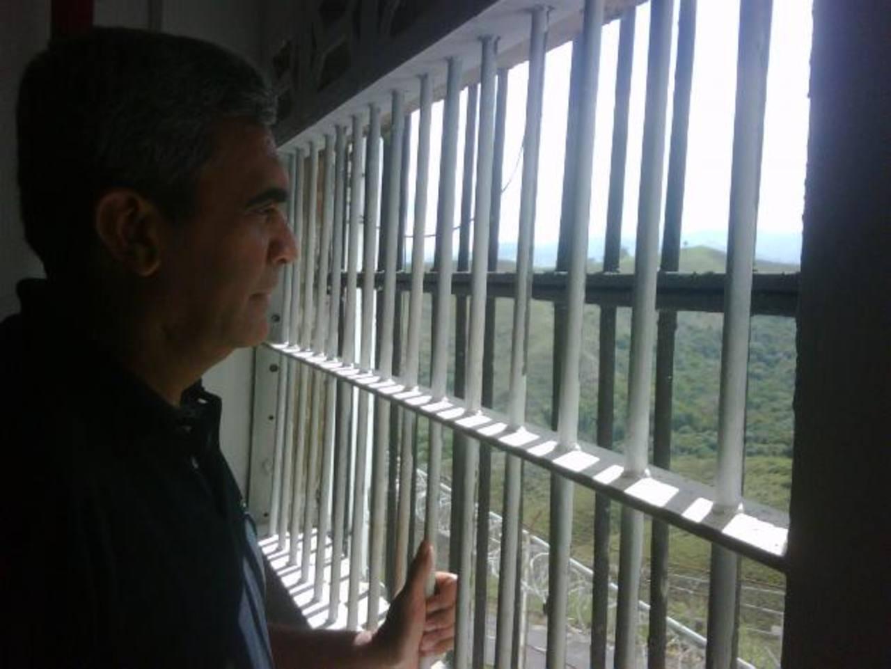 Imagen del exministro de Defensa, y general retirado, Raúl Isaías Baduel publicada por diario El País. foto edh