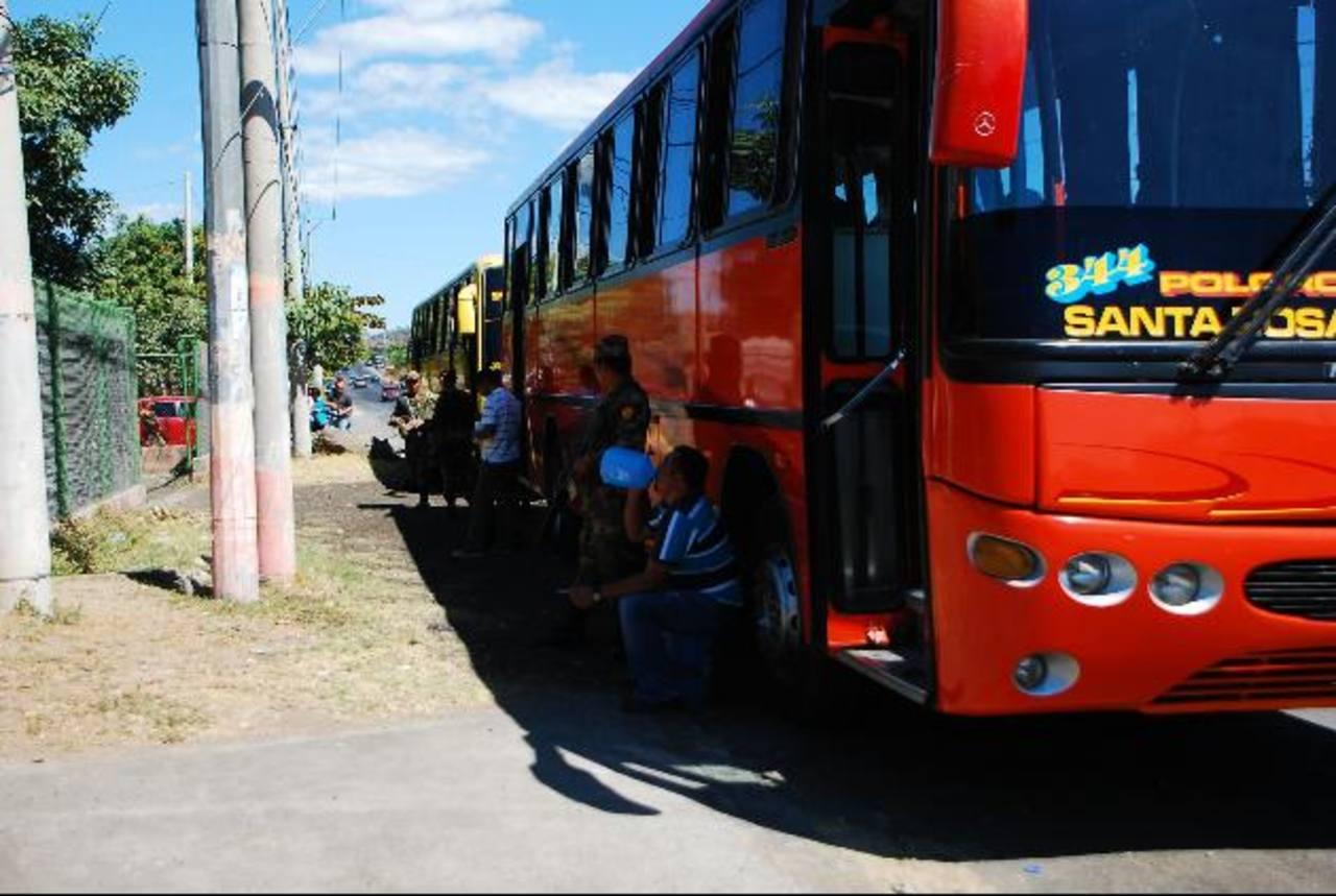 Los decomisos de la hierba fueron realizados en un control militar. Foto EDH / Lucinda Quintanilla