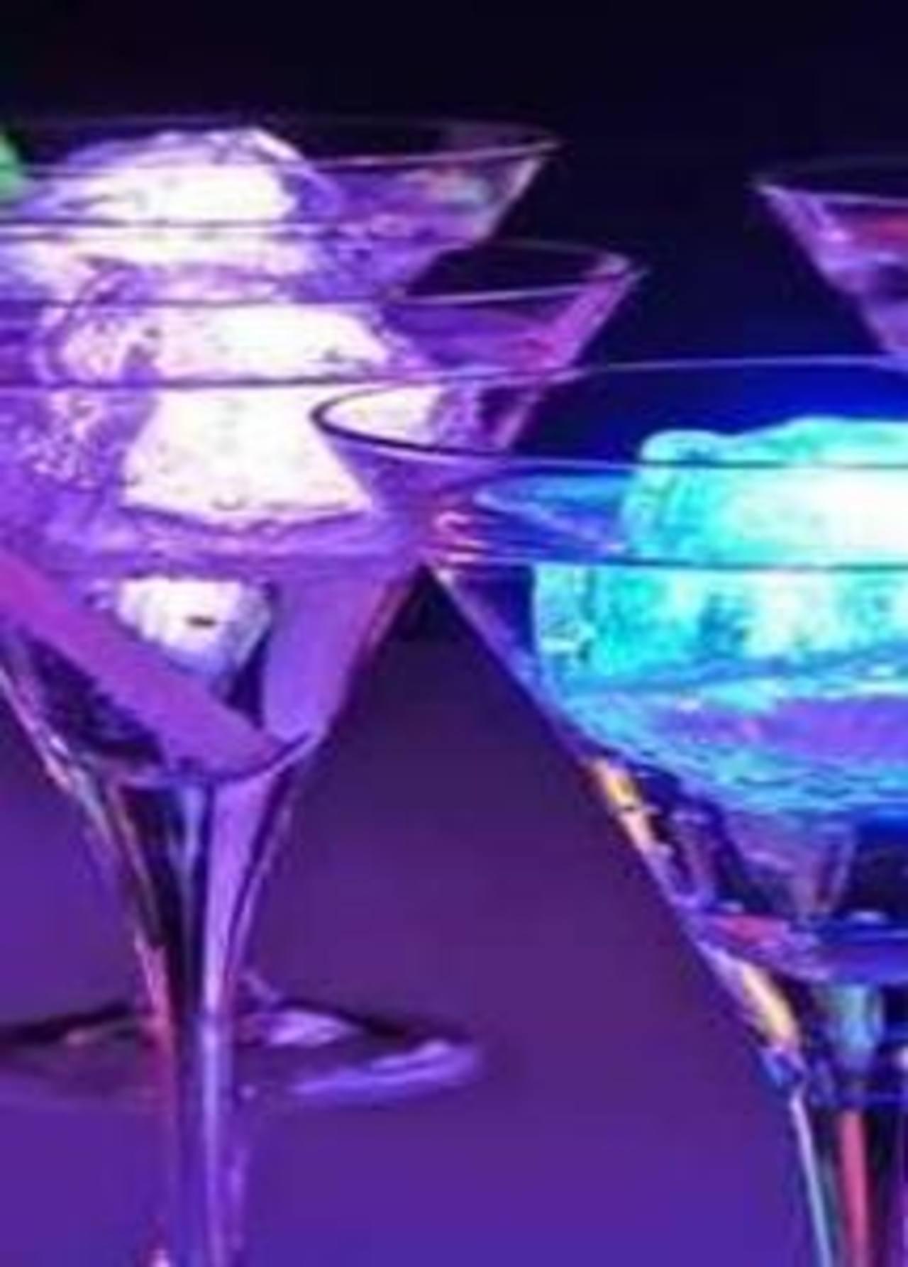 Cheers, el hielo que avisa cuándo dejar de beber