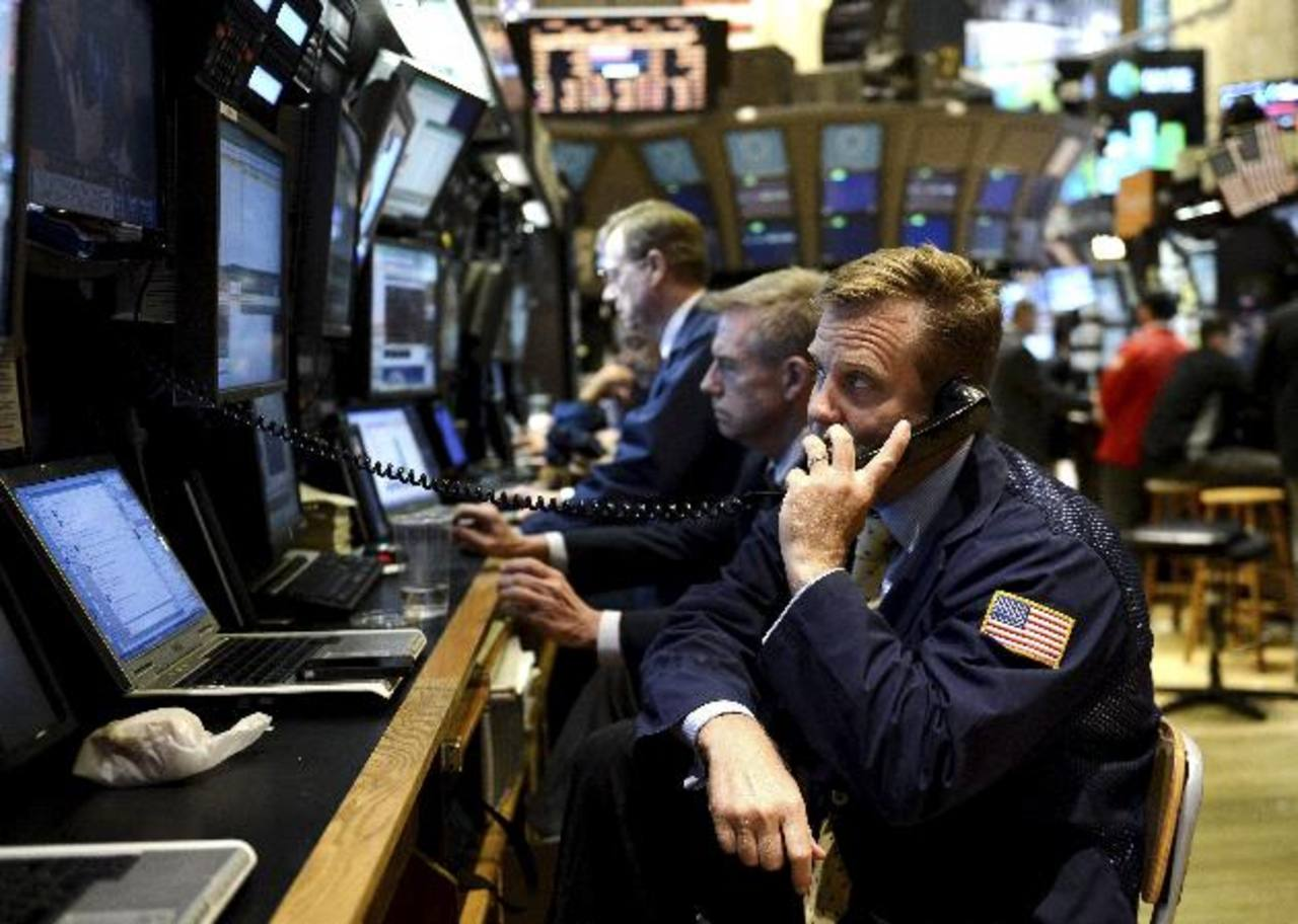 El promedio industrial Dow Jones cerró con un alza de 62.51 puntos, o un 0.46 %, a 13,712.21 unidades. foto edh /ARCHIVO