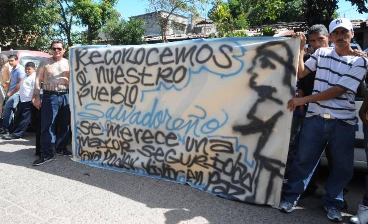 Pandilleros de San José del Pino piden oportunidades a los tecleños. Foto EDH / Lissette Lemus.