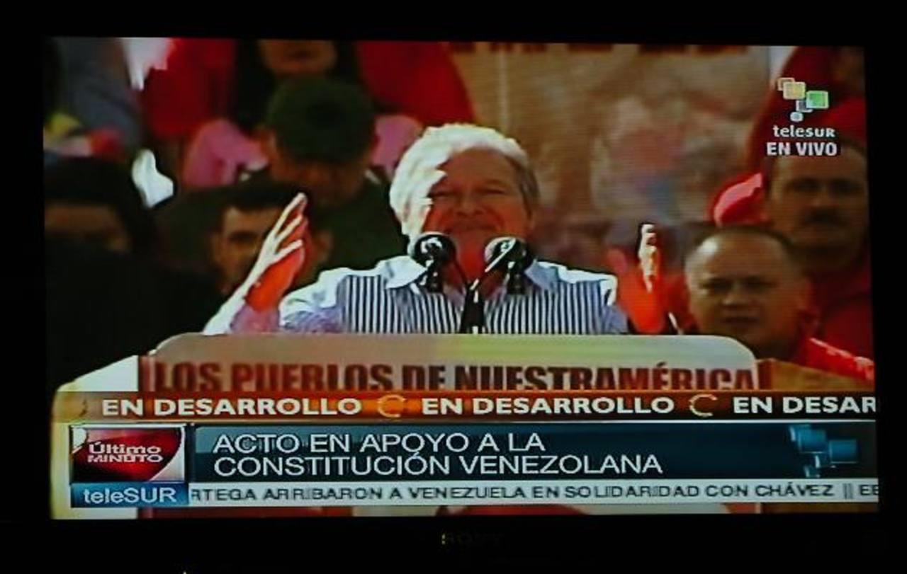 Sánchez Cerén habla en los actos del segundo mandato de Chávez en Caracas. Foto EDH/archivo