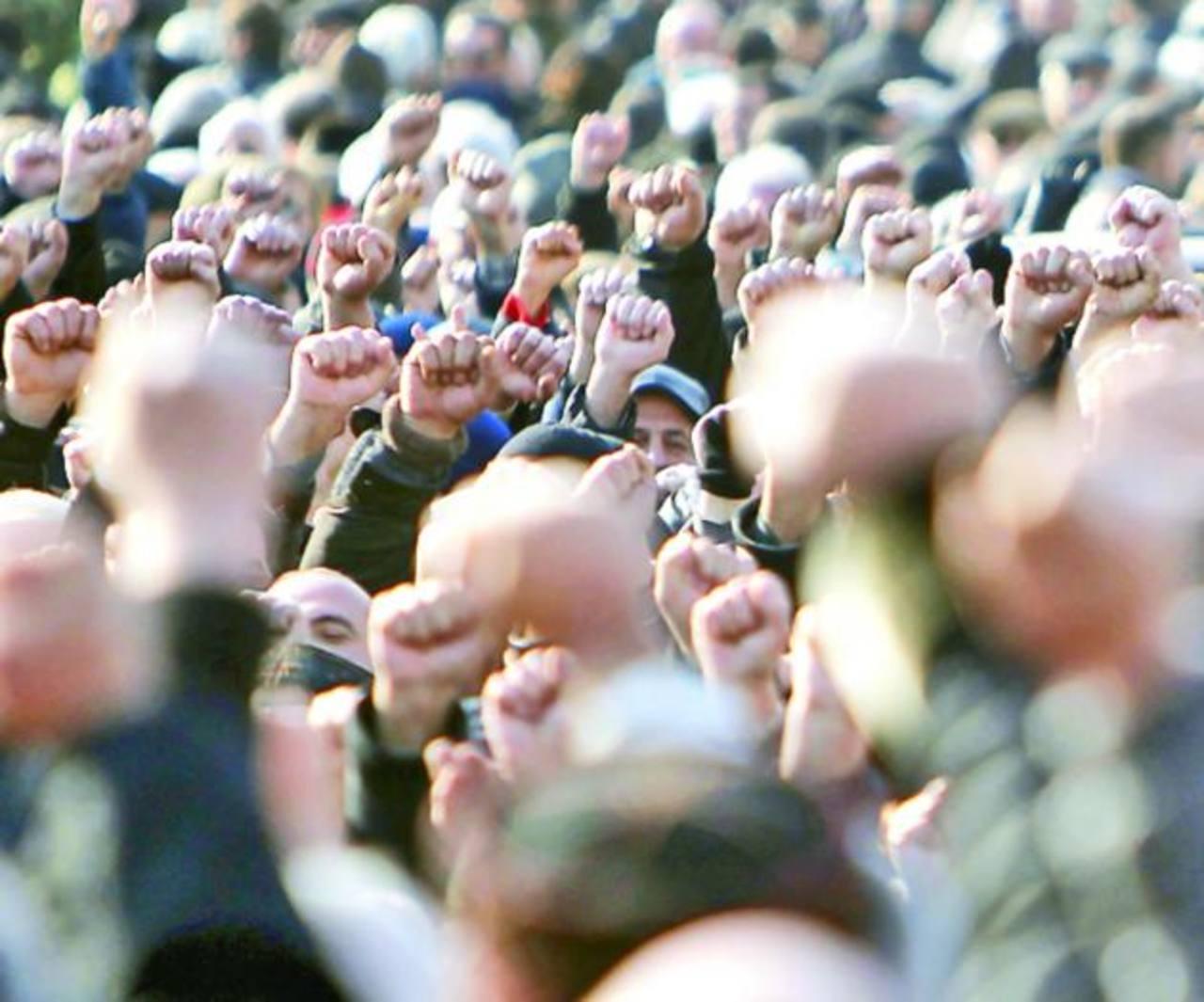 Manifestantes se concentran en Tiflis. foto edh / reuters