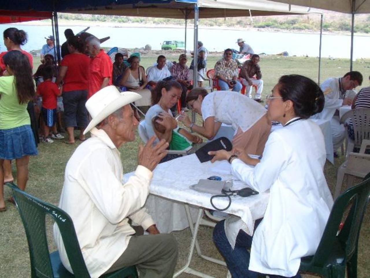 Alba Médica podrá realizar campañas de salud en la zona rural, entre otros servicios. FOTO EDH /ARCHIVO