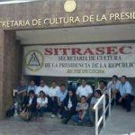 Trabajadores despedidos protestaron la semana pasada en las instalaciones de Secultura por no acatar el fallo de la Sala. FOTO EDH/ARCHIVO