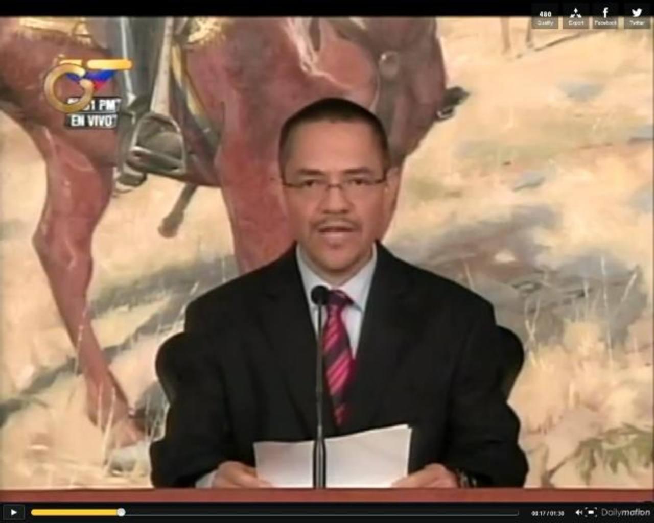El ministro de Información de Venezuela, Ernesto Villegas, durante la cadena nacional ayer. Foto EDH