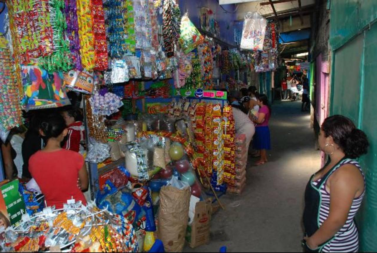 Vendedores del mercado Colón han sido afectados por los hurtos. Foto EDH / Archivo